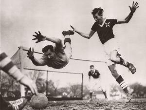 scriitori jucau fotbal